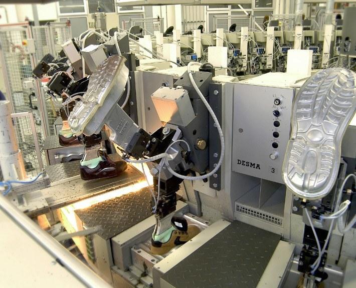 Safety shoe production